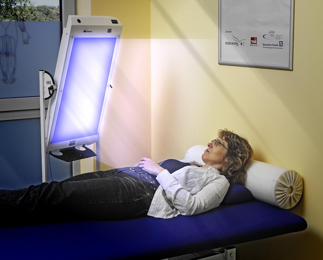 wirkungsweise der farbtherapie lichttherapie. Black Bedroom Furniture Sets. Home Design Ideas